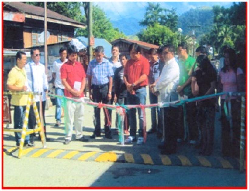 photo of Apayao local executives during ribbon cutting of new road