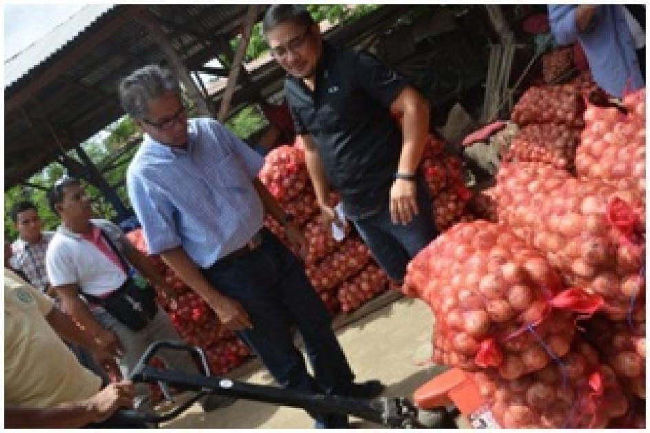 DILG Secretary Mar Roxas visits Nueva Ecija